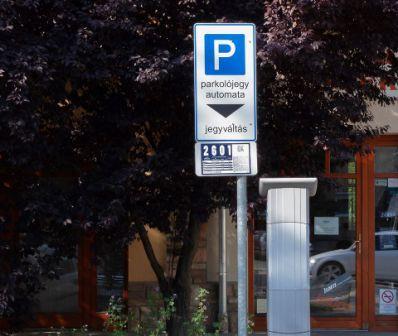 Fizetős parkolás – elhalasztva
