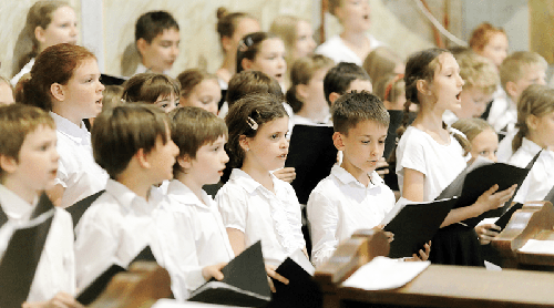 Iskolákba látogat a Vác Civitas Szimfonikus Zenekar